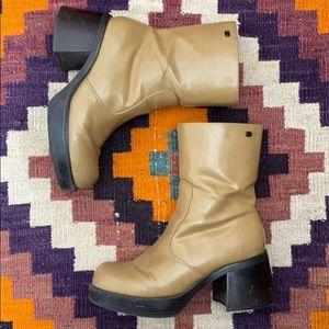 Vintage Sketchers 90's Tan Platform Heel Boots